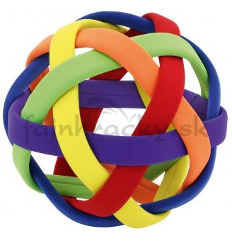 Lopta z plastových pásov